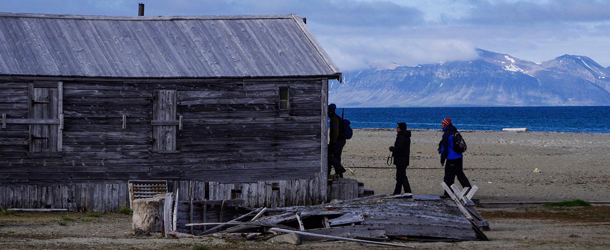 Osada Calypsobyen fot. © Małgosia Busz 2017, Barents.pl