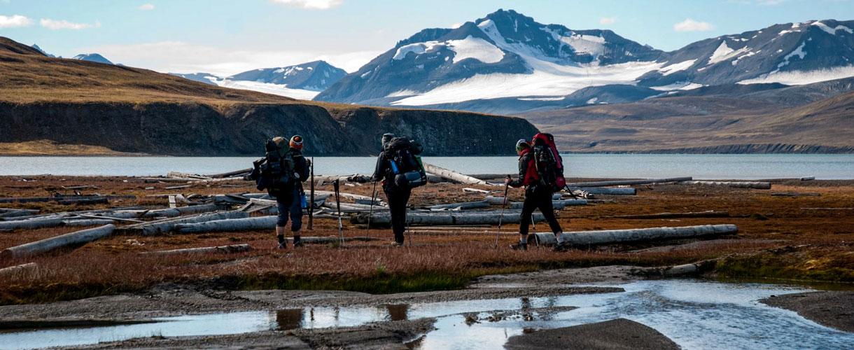 Trekking Arktyczną Tundrą fot. © Monika Rogoża z Barents.pl