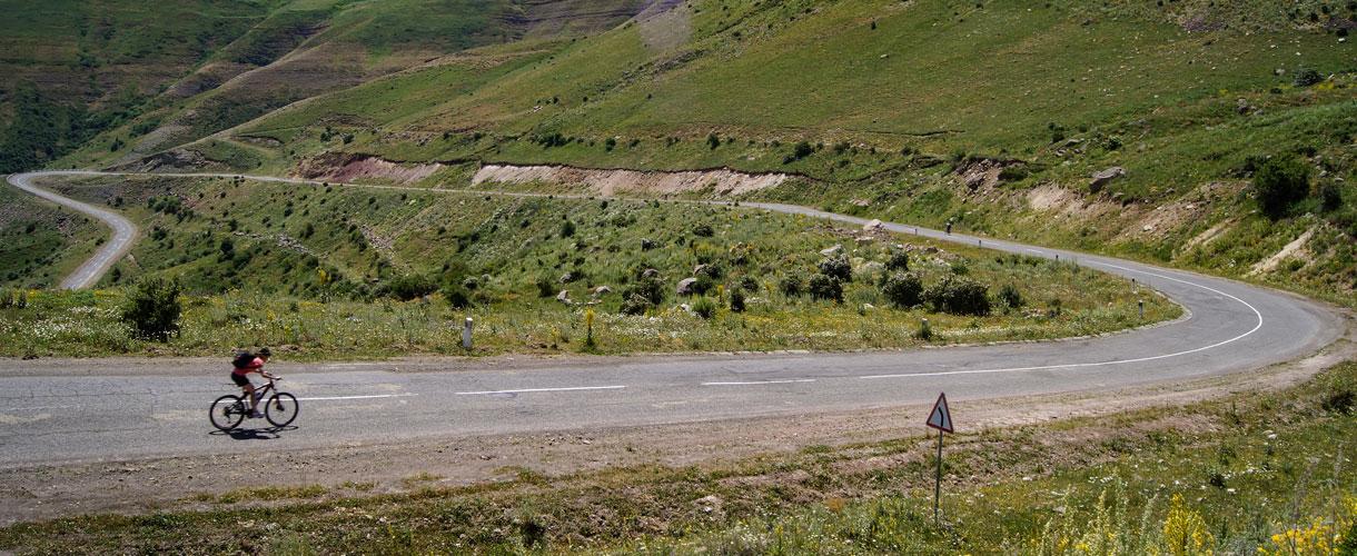 Armenia and Nagorno-Karabakh by Bike photo © Małgosia Busz, Barents.pl