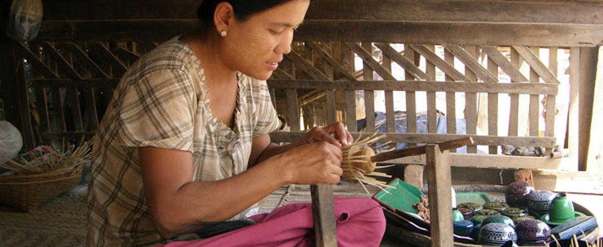 Wycieczka do Birmy - szlakiem buddyjskich świątyń © Iwona Bartoszcze, Barents.pl