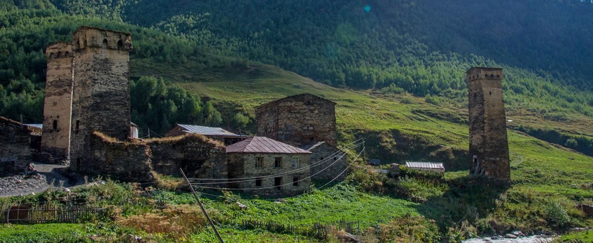 Gruzińska Swanetia. Wycieczka do Gruzji fot. © Justyna Zając z Barents.pl