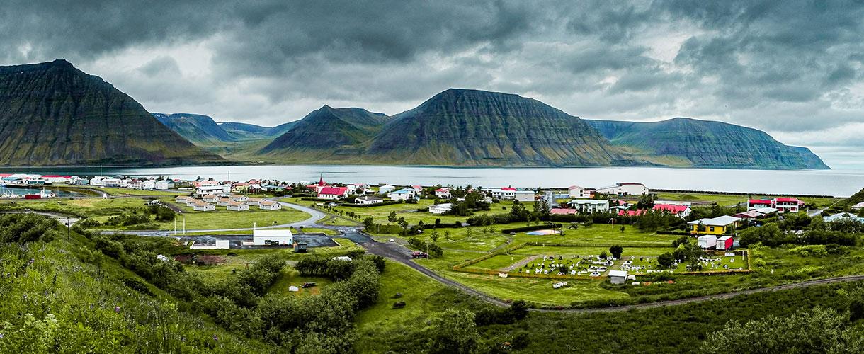 Ísafjörður. Islandia, trekking przez Półwysep Hornstrandir.
