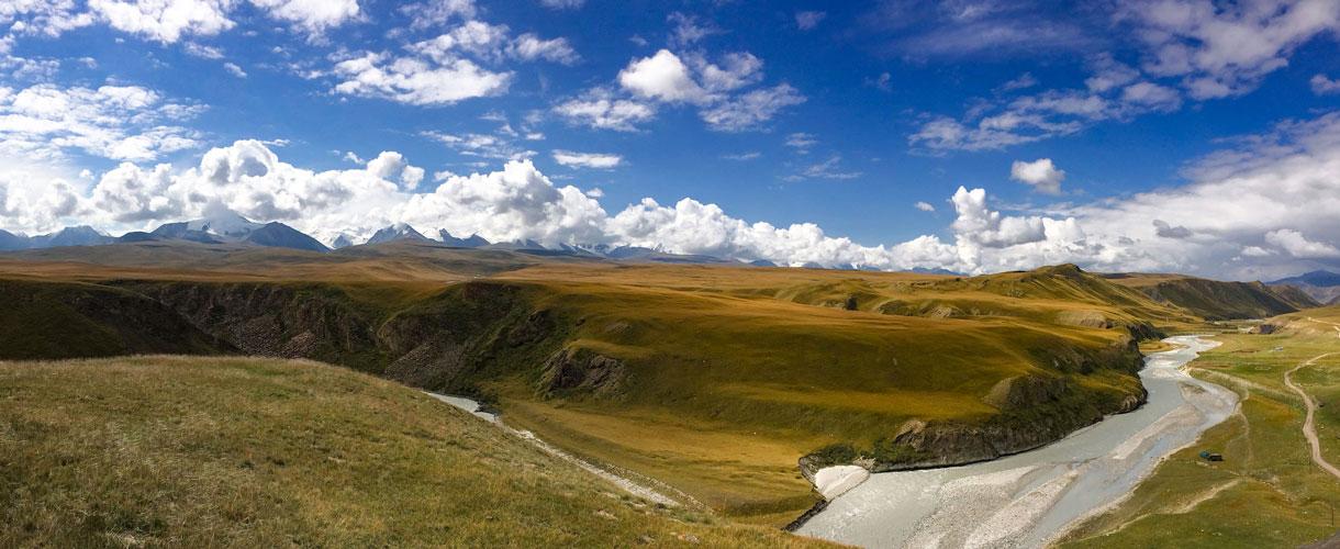 Kirgistan na rowerze: Przejazd przez Tien-szan fot. © Małgosia Busz, Barents.pl