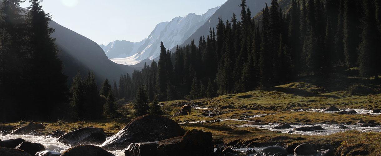 Trekking the Mountains of Heaven photo © Ola Matusz, Barents.pl