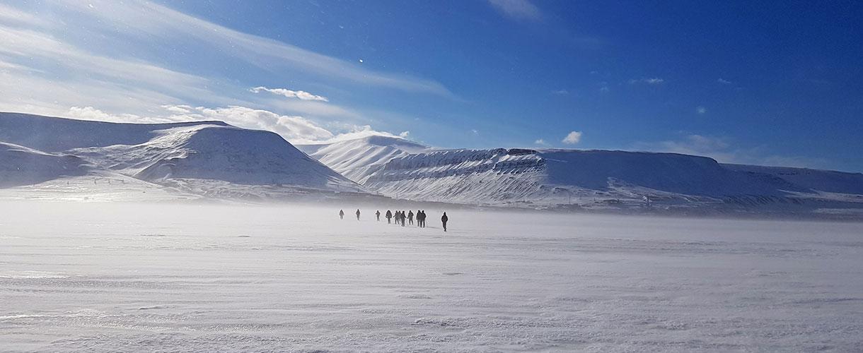 Zima na Spitsbergenie: między polarnym dniem i nocą fot. © Martin Fiala, Barents.pl
