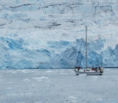 motoówką na Spitsbergen, wyprawa pod biegun północny, polska stacja badawcza