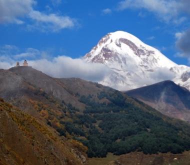 Kazbek, wycieczka Gruzja, wakacje w Gruzji. Wyprawa na Kaukaz. Biuro Podróży