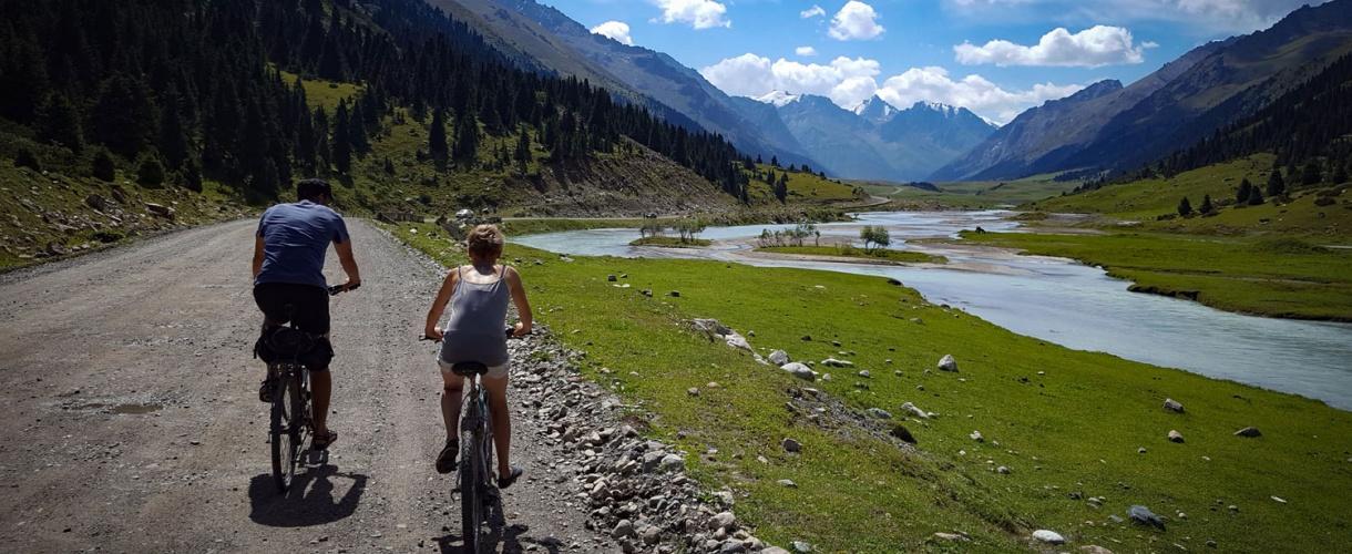 Kirgistan na rowerze: Przejazd przez Tien Szan © Roman Stanek Barents.pl