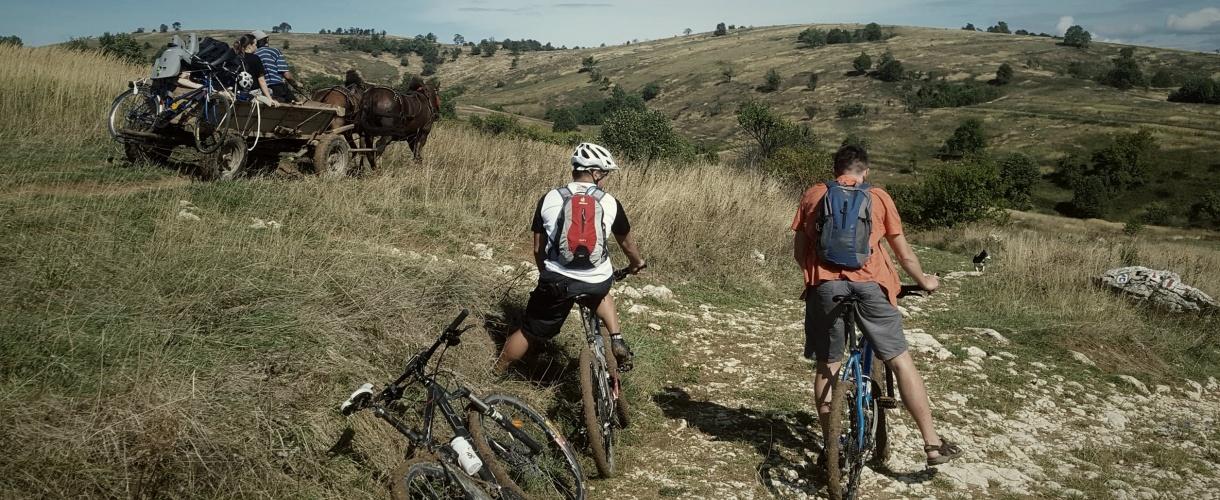 W trasie na popasie ;-) Banat na rowerze: góry i życie na rumuńskich peryferiach 2017 © fot. Roman Stanek, Barents.pl