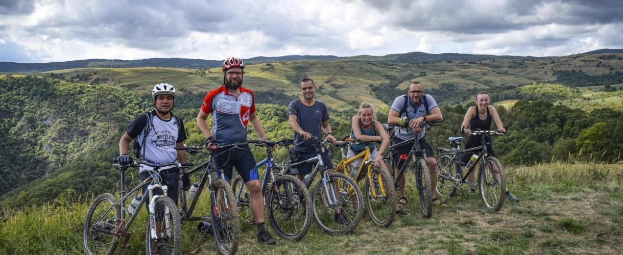 Wyjazdowy team nie w komplecie. Banat na rowerze: góry i życie na rumuńskich peryferiach 2017 © fot. Barents.pl