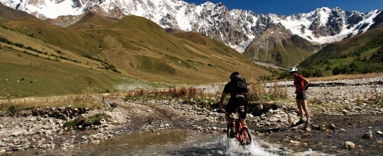Gruzja na rowerze: do serca Kaukazu fot. © Roman Stanek, Barents.pl
