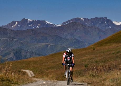 Rower w podróży fot. © Roman Stanek, Barents.pl