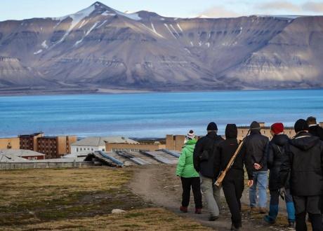 Spitsbergen: BIAŁE, zimna wyspa Spitsbergen. Śladami książki z autorką Iloną Wiśniewską © fot. Agnieszka Biegańska z Barents.pl