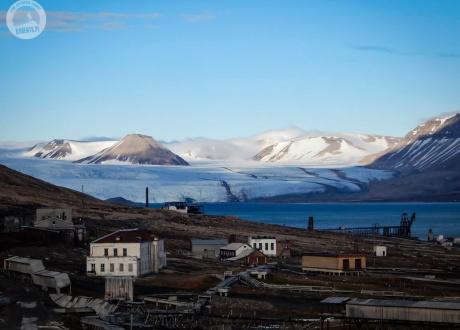 Spitsbergen: BIAŁE, zimna wyspa Spitsbergen. Śladami książki z autorką Iloną Wiśniewską © fot. Jerzy Lech Pilecki z Barents.pl