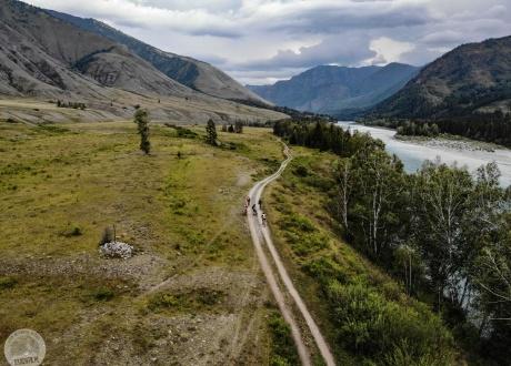 Rowerem po najładniejszych górach Syberii - Ałtaju fot. © Bartek Krzysztan, Barents.pl
