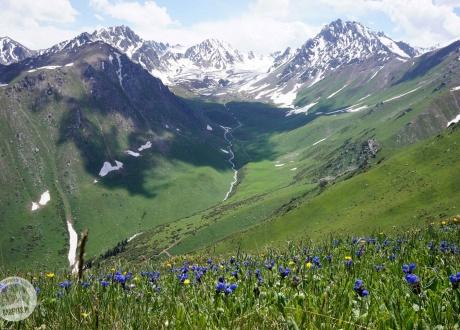 Kyrgyzstan: trekking the Mountains of Heaven © Natálie Raclavská, Barents.pl