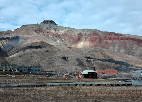 Spitsbergen: BIAŁE, zimna wyspa Spitsbergen. Śladami książki z autorką Iloną Wiśniewską © fot. Magda Nowacka z Barents.pl