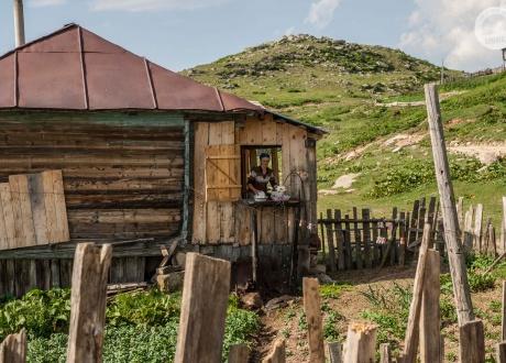 Wędrówki po nieznanych szlakach Gruzji fot. © Maciek Kucharski vel Klemens, lipiec 2017 r., Barents.pl