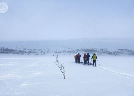 Lapland: cross-country skiing in the Saami land with Barents.pl