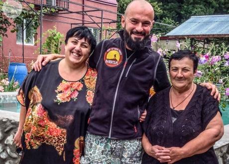 Najmilsze gruzińskie gospodynie | Wycieczka Gruzja i Armenia to, co najlepsze z Kaukazu | fot. © Maciek Kucharski