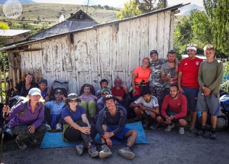 Wiele dni spędzamy w górach z kirgiskimi porterami | Wycieczka: Trekking w Kirgistanie wśród Gór Niebiańskich | fot. © Ola Siemiradzka