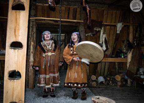 Organizujemy spotkania i występy z mniejszościami i grupami etnicznymi | Wycieczka na Kamczatkę: w krainie wulkanów | fot. © Roman Stanek