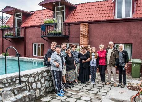 Modernizacja i rozbudowa lokalnego guesthouseu, Gruzja | Wycieczka: Nieznanymi szlakami Gruzji | fot. © Maciek Kucharski