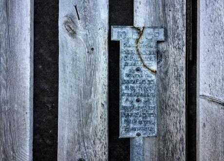 Wspomnienie potęgi NEC. Osada Calypsobyen fot. © Małgosia Busz, Barents.pl