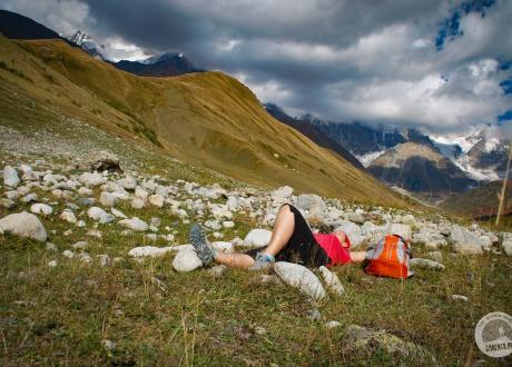 W trasie. Trekking w Gruzji: Na lekko przez Swanetię fot. © Lidka Wiśniewska z Barents.pl