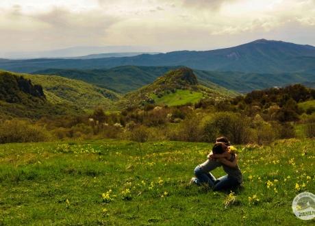 Wiosna na Kaukazie fot. © Roman Stanek, Barents.pl