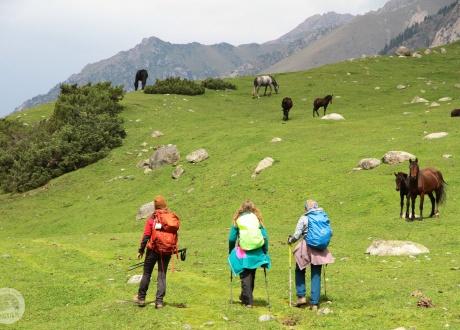 Trekking w Kirgistanie w relacji Oli i Pitera, pilotów Barents.pl