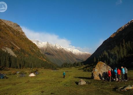 Obozowisko w trakcie trekkingu. Kirgistan w relacji Oli i Piotrka, pilotów Barents.pl