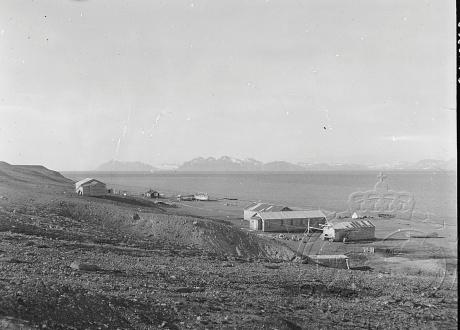 Zdjęcie z 1936 r. Osada Calypsobyen fot. © Norsk Polarinstitutt