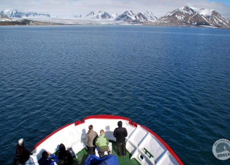Svalbard: Experience the Arctic © Roman Stanek Barents.pl