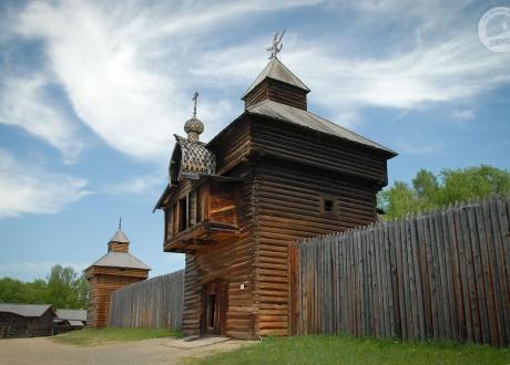 Kozacka syberyjska forteca w skansenie Talcy (Talcy open-air museum). Wyprawa nad Bajkał © fot. Ivo Dokoupił dla Barents.pl