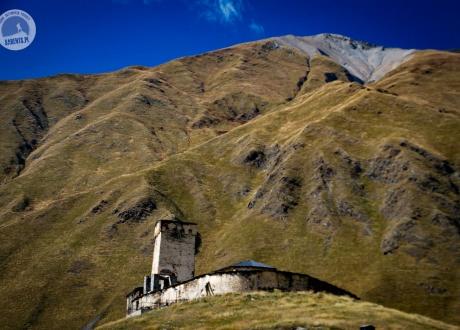 Uszguli, najwyżej położona wioska w Europie. Gruzińskie marzenie. fot. © Roman Stanek, Barents.pl