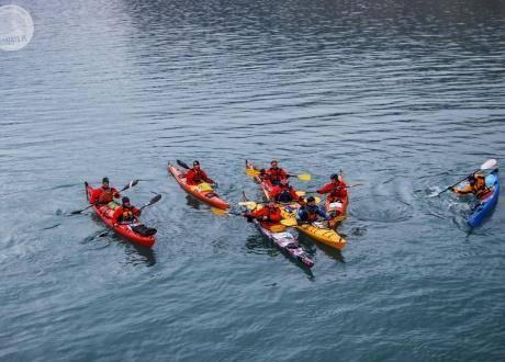Kajakarze Morza Arktycznego. Fot. © Roman Stanek, Barents.pl