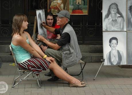 Artysta uliczny na Arbacie (Moskwa). Wycieczka Koleją Transsyberyjską © Ivo Dokoupil dla Barents.pl